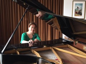 Maria Luisa Cantos au Piano